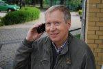 Czy warto kupić telefon dla seniora?